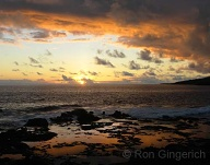 A quiet winter sunset over the tidepools at Hulopo`e